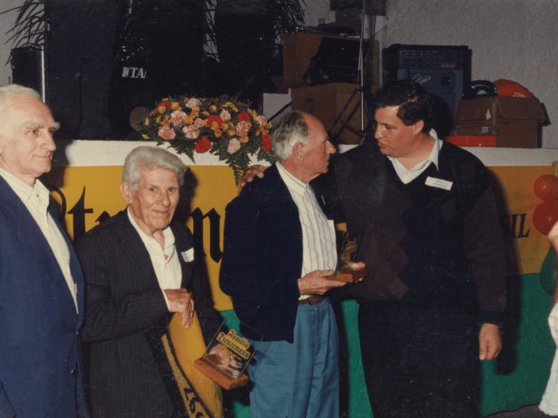 1997.10.05 – 1º Encontro da Família Dienstmann – 170 anos no Brasil – Dois Irmãos – Homenagem aos Dienstmann mais idosos.2