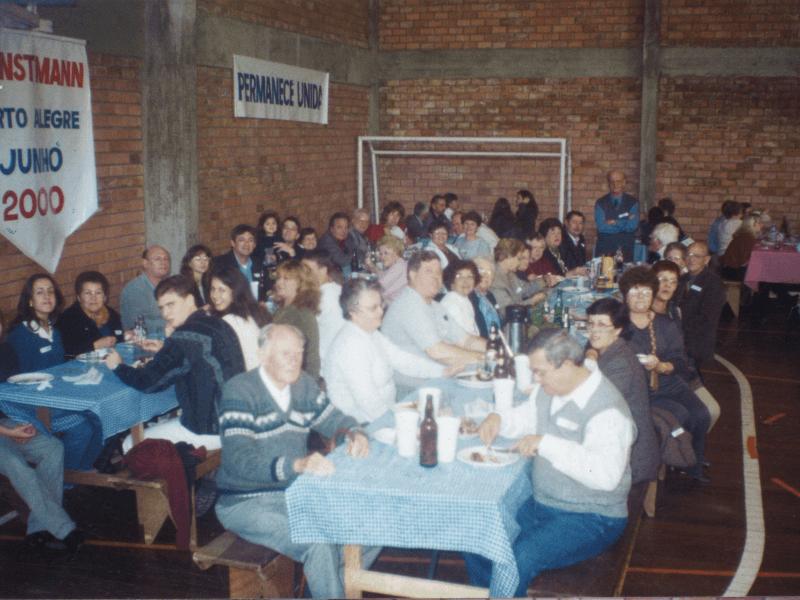 2000.06.04 – 1º Encontro Regional de Porto Alegre – Família Dienstmann – Comunidade Evangélica São Matheus.4